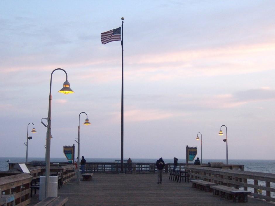 Ventura pier flag at night for Ventura pier fishing