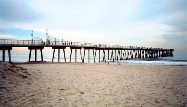 Hermosa beach pier for Jones beach fishing pier