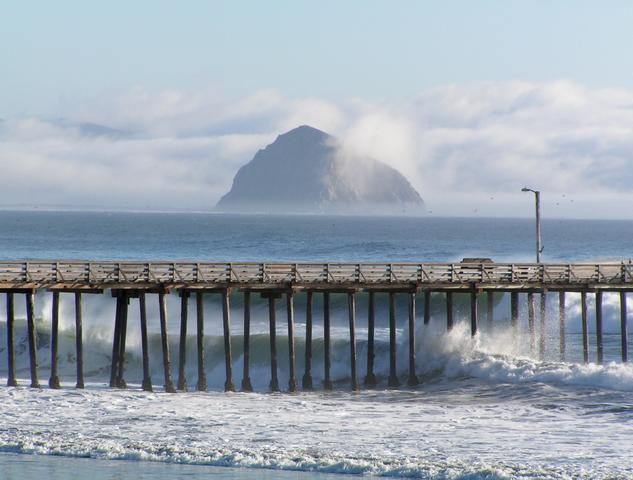 Cayucos_Pier_Morro_Rock