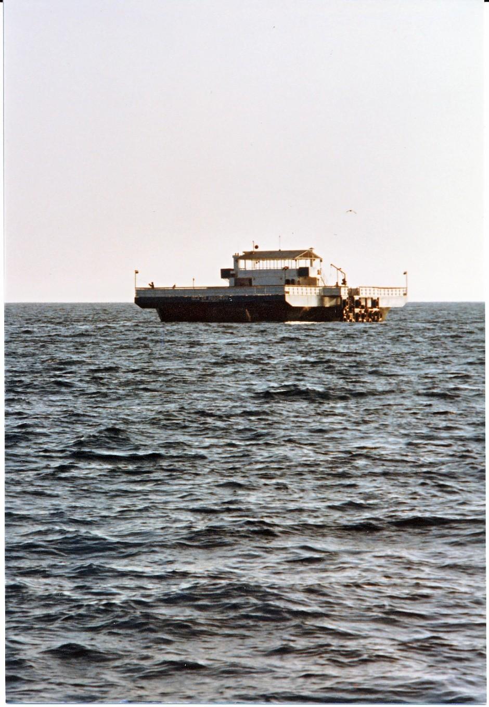 Redondo_Beach_Barge_1982