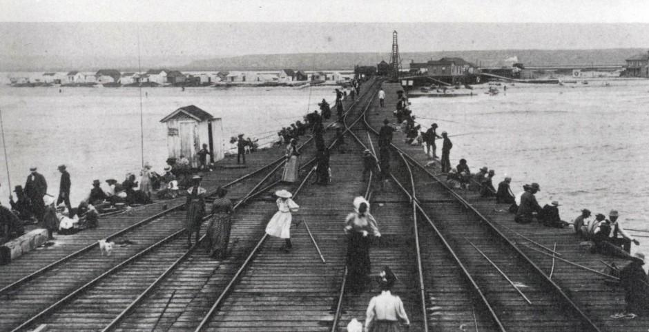 Newport_Pier_1895_1899_2_2b