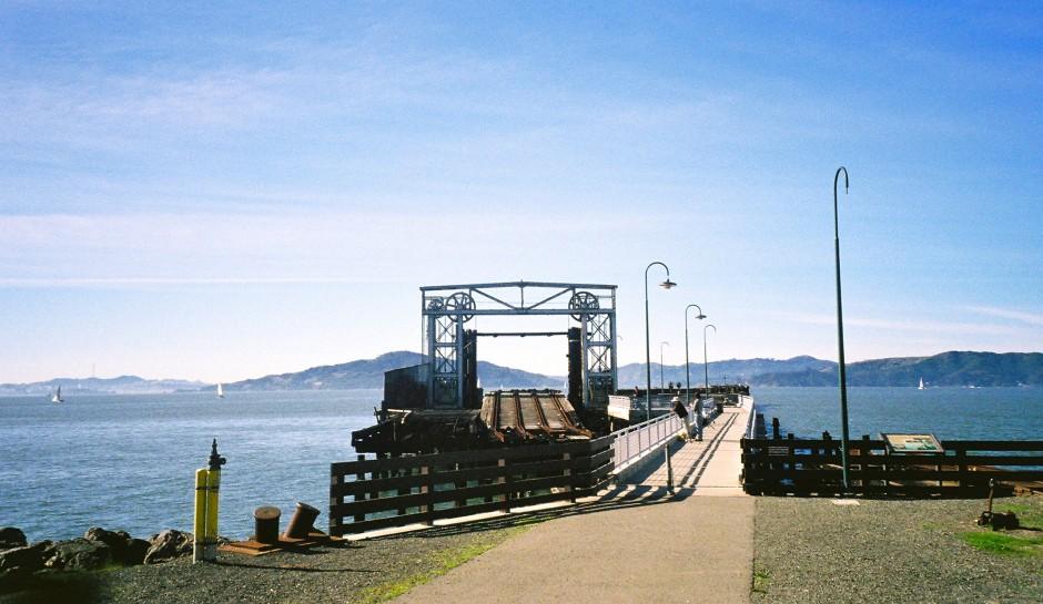 Ferry.Point.Pier_2005_2