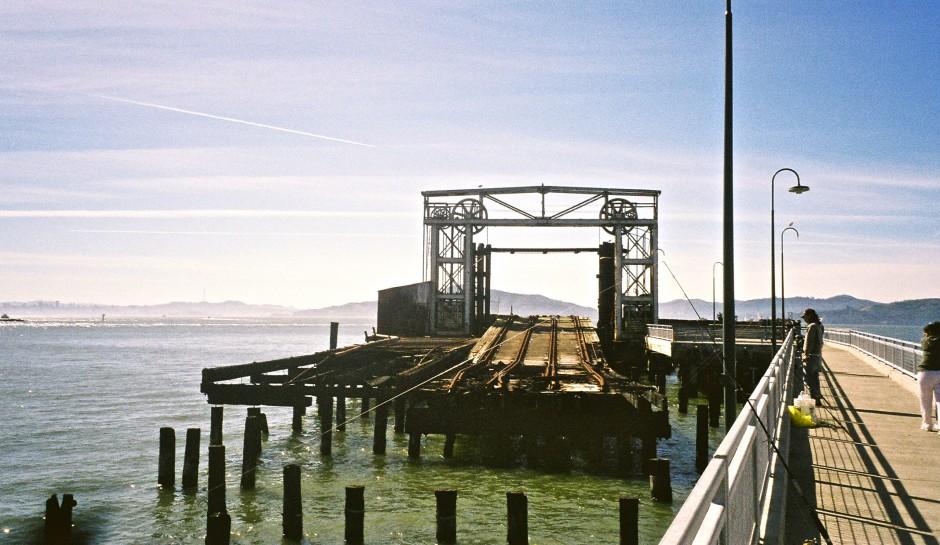 Ferry.Point.Pier_2005_4