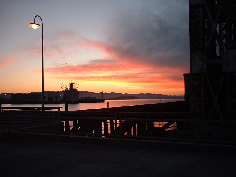 Ferry.Point.Pier_2005_7.7