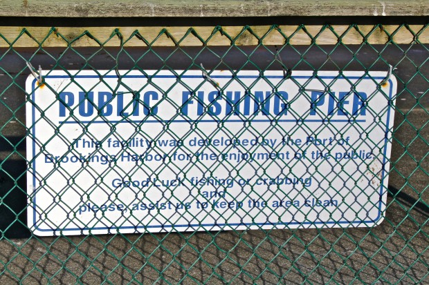 A visit to the brookings harbor pier in oregon for Do you need a fishing license on a pier