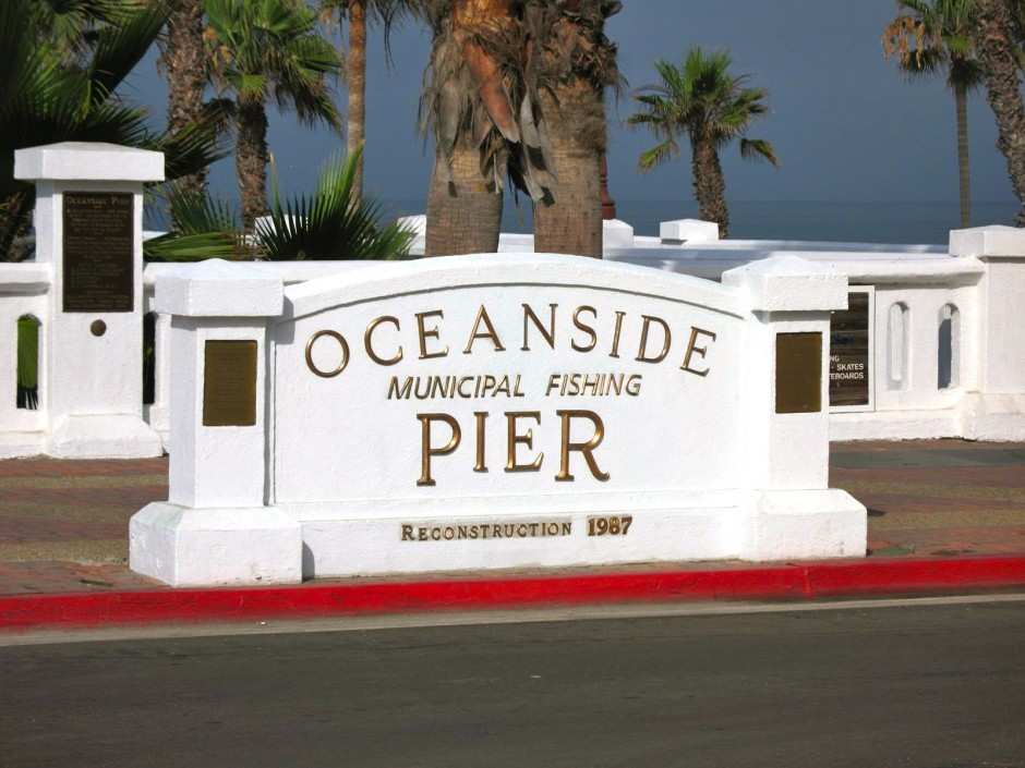 Oceanside.Pier_2008_Entrance2_Sign