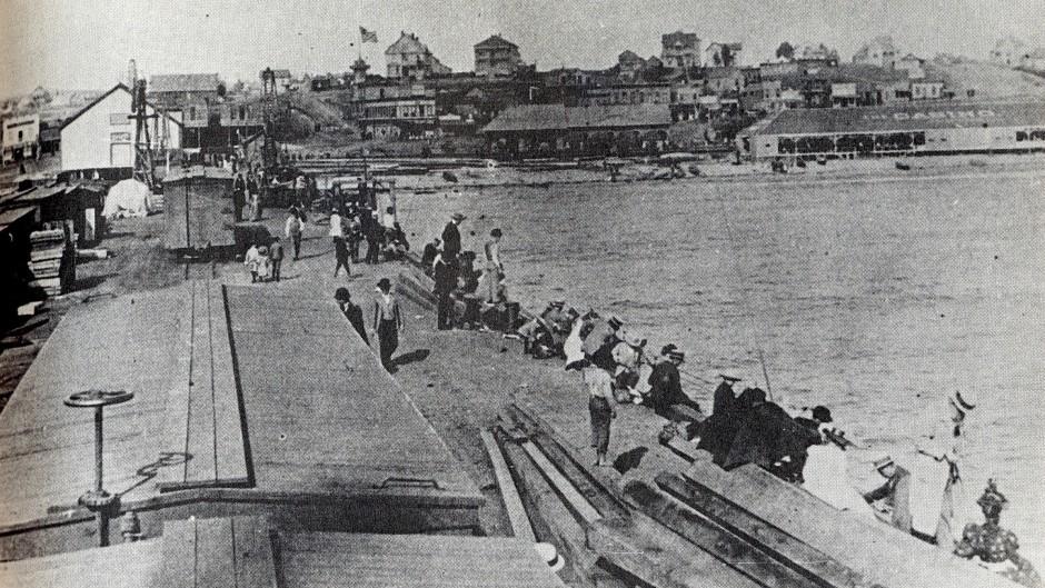 1890_Redondo.Beach.Pier_1890_1a