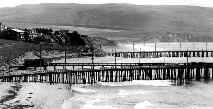1910_Redondo.Wharves.No.2.and.No.3_2