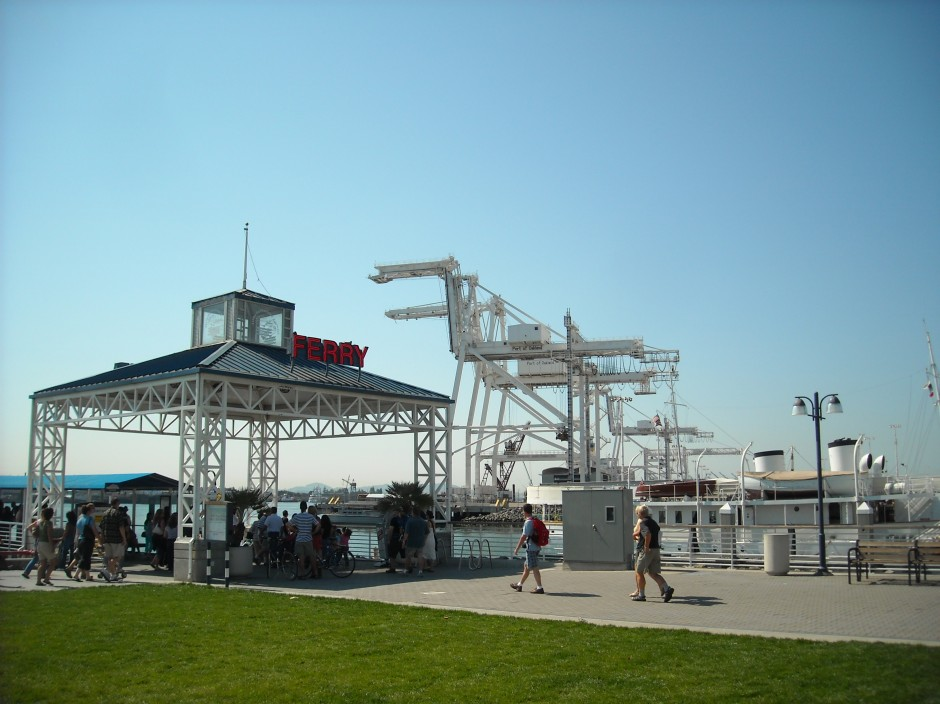 Jack_London_Square_Ferry_(4057088867)